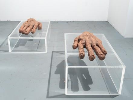 Huma Bhabha, Prophet and Loss, 2019 Clay, wire, Styrofoam, acrylic, jute, seed, and wood, in 2 parts, overall: 21 ½ × 96 × 69 inches (54.6 × 243.8 × 175.3 cm)© Huma Bhabha. Photo: Rob McKeever