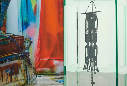 Left: Katharina Grosse, Untitled, 2019 (detail), digital print on silk, 106 ⅜ × 236 ¼ × 7 ⅞ inches (270 × 600 × 20 cm). Right: Tatiana Trouvé, Les indéfinis, 2017–18 (detail), plexiglass, bronze, patina, steel, and paint, 69 ⅝ × 53 ⅝ × 47 ¼ inches (176.7 × 136.1 × 120 cm) Artwork, left to right: © Katharina Grosse and VG Bild-Kunst Bonn, 2019; © Tatiana Trouvé