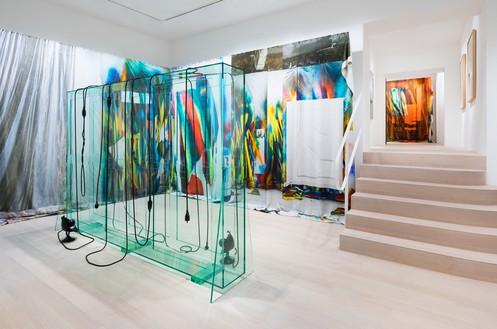 Installation view Artwork, front to back: © Katharina Grosse and VG Bild-Kunst Bonn, 2019; © Tatiana Trouvé. Photo: Andreas Zimmermann