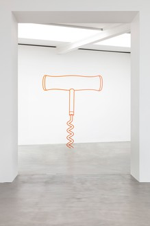 Michael Craig-Martin, Corkscrew (orange), 2019 Powder-coated steel, 118 ⅛ × 102 ⅜ × ¾ inches (300 × 260 × 2 cm)© Michael Craig-Martin. Photo: Lucy Dawkins