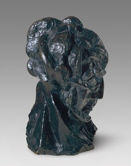 Pablo Picasso, Tête de femme (Fernande), 1909 Bronze, 16 × 10 ¼ × 10 inches (40.6 × 26 × 25.4 cm)© 2019 Estate of Pablo Picasso/Artists Rights Society (ARS), New York