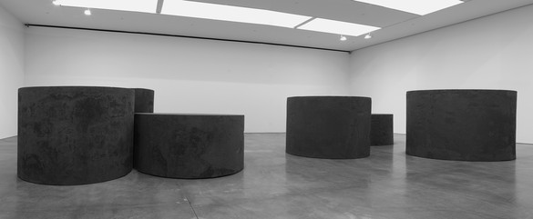Richard Serra, Combined and Separated, 2019 Forged steel, six rounds, in two groups, two, each: 78 × 79 ¾ inches diameter (198 × 202.6 cm), two, each: 72 × 83 inches diameter (182.9 × 210.8 cm), two, each: 48 × 102 inches diameter (121.9 × 259.1 cm)© 2019 Richard Serra/Artists Rights Society (ARS), New York. Photo: Rob McKeever