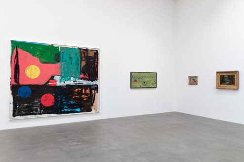 Installation view Artwork, left to right: © Joe Bradley; © 2020 Helen Frankenthaler Foundation, Inc./Artists Rights Society (ARS), New York; © John Currin; Winslow Homer. Photo: Lucy Dawkins