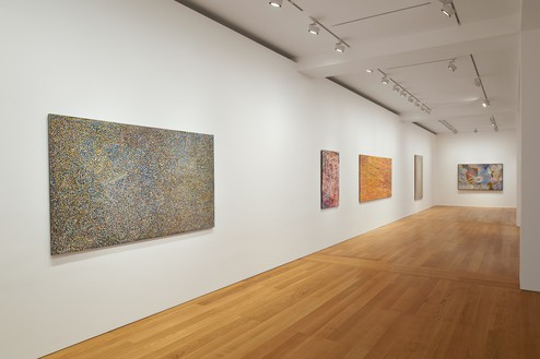Installation view Artwork, left to right: © Emily Kame Kngwarreye/Copyright Agency. Licensed by Artists Rights Society (ARS), New York, 2020; © Yukultji Napangati/Copyright Agency. Licensed by Artists Rights Society (ARS), New York, 2020; © Bill Whiskey Tjapaltjarri