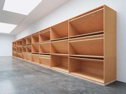 Donald Judd, untitled, 1980 Plywood, 12 × 80 × 4 feet (3.7 × 24.4 × 1.2 m)© 2020 Judd Foundation/Artists Rights Society (ARS), New York. Photo: Rob McKeever