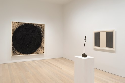 Installation view Artwork, left to right: © 2020 Richard Serra/Artists Rights Society (ARS), New York; © Succession Alberto Giacometti (Fondation Giacometti Paris + ADAGP), Paris 2020; © 2020 Brice Marden/Artists Rights Society (ARS), New York. Photo: Rob McKeever