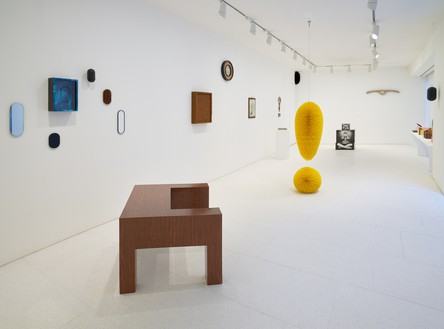 Installation view Artwork © 2020 Richard Artschwager/Artists Rights Society (ARS), New York. Photo: Prudence Cuming Associates