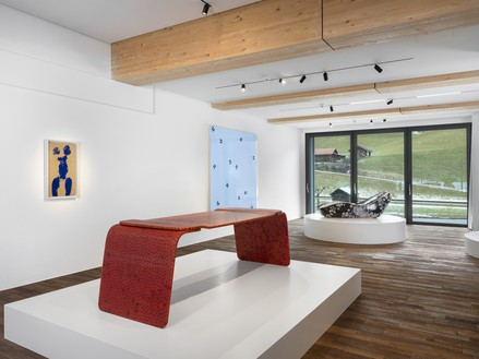 Installation view Artwork, left to right: © Succession Yves Klein/Artists Rights Society (ARS), New York/ADAGP, Paris 2020; © Marc Newson; © Damien Hirst and Science Ltd. All rights reserved, DACS 2020; © Marc Newson. Photo: Julien Gremaud