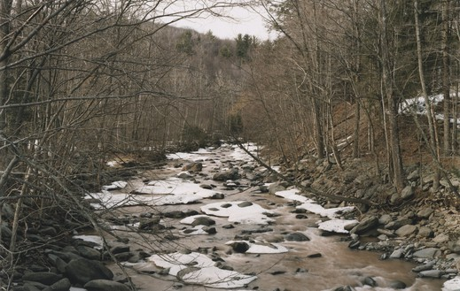 Roe Ethridge, New York Water Catskills, 2000 Dye sublimation print on aluminum, 32 × 50 inches (81.3 × 127 cm), edition of 5 + 2 AP© Roe Ethridge