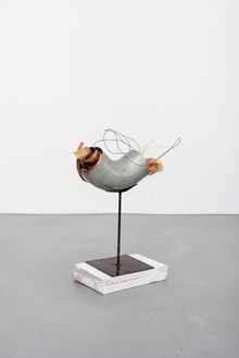 Rudolf Polanszky, Archeology / Confusion Sculpture, 2020 Aluminum, copper wire, metal wire, foam, and silicone on metal stand with wooden pedestal, 20 ¼ × 17 ¾ × 6 ⅞ inches (51.2 × 45 × 17.4 cm)© Rudolf Polanszky. Photo: Jorit Aust