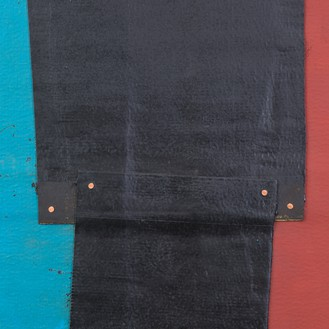 Theaster Gates, Flag Sketch, 2020 (detail) Industrial oil-based enamel, rubber torch down, bitumen, wood, and copper nails, 72 × 72 inches (182.9 × 182.9 cm)© Theaster Gates