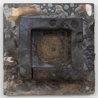 Theaster Gates, Brick Reliquary – Bad Tea, 2020 Wood fired brick, wood ash, magnesium dioxide, black stain, and alumina carbide shelf, 18 × 18 × 5 inches (45.7 × 45.7 × 12.7 cm)© Theaster Gates. Photo: Rob McKeever