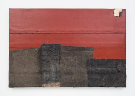 Theaster Gates, Red City, 2020 Industrial oil-based enamel, rubber torch down, bitumen, wood, and copper, 72 × 108 inches (182.9 × 274.3 cm)© Theaster Gates