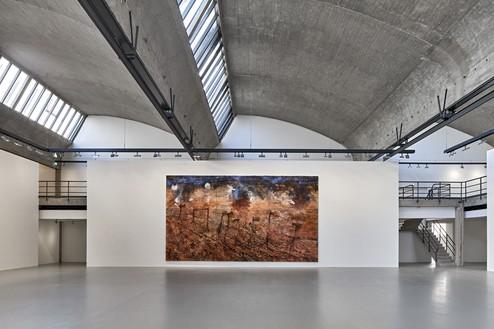 Installation view with Anselm Kiefer, Beilzeit—Wolfszeit (Axe-Age—Wolf-Age) (2019) Artwork © Anselm Kiefer. Photo: Thomas Lannes