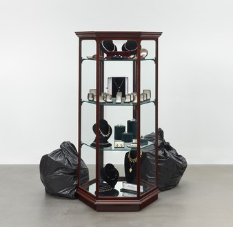 Damien Hirst, Snob, 2014 Mixed media, 62 ⅝ × 51 ½ × 46 ⅛ inches (159 × 131 × 117 cm)© Damien Hirst and Science Ltd. All rights reserved, DACS 2021. Photo: Prudence Cuming Associates