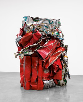 John Chamberlain, TAMBOURINEFRAPPE, 2010 Painted and chrome-plated steel, 116 ¾ × 90 × 86 ½ inches (296.5 × 228.6 × 219.7 cm)© 2021 Fairweather & Fairweather LTD/Artists Rights Society (ARS), New York. Photo: Rob McKeever