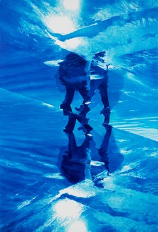 Mark Tansey, Xing, 2021 Oil on canvas, 88 × 60 inches (223.5 × 152.4 cm)© Mark Tansey. Photo: Rob McKeever