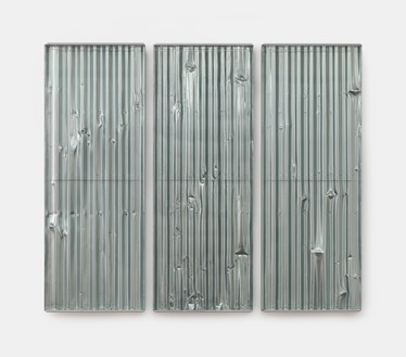 Rachel Whiteread, Untitled (Crinkle-Crankle), 2018 Resin, aluminum spray, and steel, in 3 parts, overall: 63 × 72 ½ × 3 ¾ inches (160 × 184 × 9.5 cm)© Rachel Whiteread. Photo: Prudence Cuming Associates