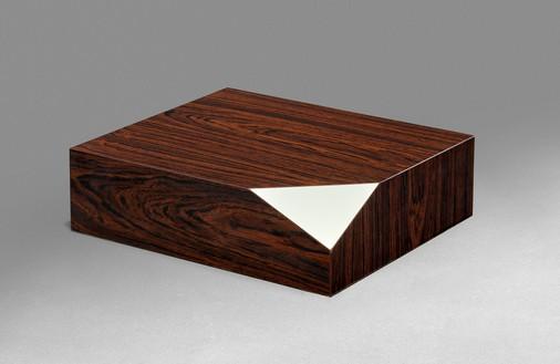 Richard Artschwager, Corner, 1967 Formica on wood, 4 ⅜ × 12 ⅝ × 15 inches (11 × 32 × 38 cm)© 2021 The Estate of Richard Artschwager/Artists Rights Society (ARS), New York