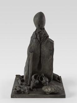 Thomas Houseago, Sphinx, 2021 Bronze, 18 ¾ × 12 × 12 inches (47.6 × 30.5 × 30.5 cm), edition 1/3 + 2 AP© Thomas Houseago. Photo: Stefan Altenburger
