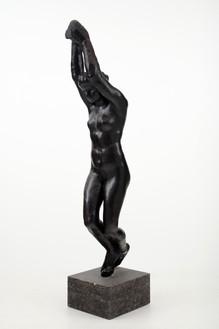 Auguste Rodin, Aphrodite, grand modèle, 1914 Bronze, 86 ⅝ × 18 ½ × 28 ⅜ inches (220 × 47 × 72 cm), edition 2/8 + 4 AP, cast: Fonte Coubertin (2015)Photo: Lucy Dawkins
