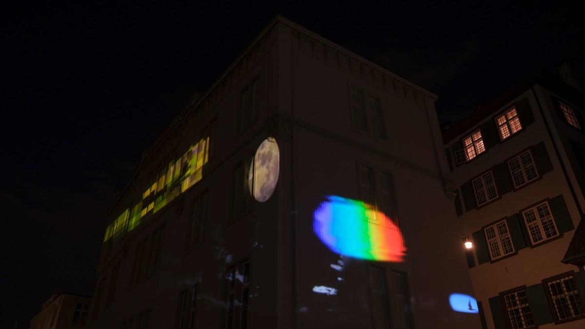 Sarah Sze, Timepiece (2021), installation view, Rheinsprung 9, Basel