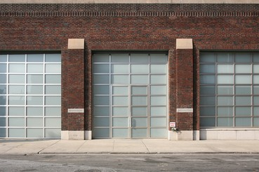 A photograph of the outside of the Gagosian location 555 West 24th Street, New York