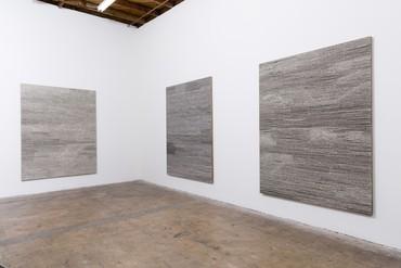 Installation view, Jennifer Guidi: Field Paintings, LAXART, Los Angeles, May 17–June 28, 2014. Artwork © Jennifer Guidi