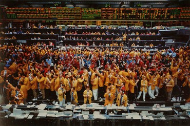 Andreas Gursky, Chicago Mercantile Exchange, 1997 © Andreas Gursky/2017 Artists Rights Society (ARS), New York