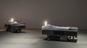 Carsten Höller, Two Roaming Beds, 2016. Photo: Attilio Maranzano