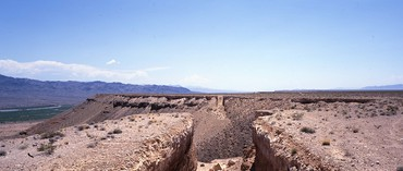 Michael Heizer, Double Negative, 1969