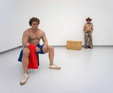 Installation view, Almost Alive: Hyperrealistic Sculptures in Art, Kunsthalle Tübingen, Germany, July 21–October 21, 2018. Artwork © Estate of Duane Hanson/Licensed by VAGA, New York. Photo: Ulrich Metz