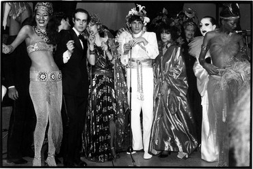 Jean Pigozzi, Kiraht Rosier, Frédéric Mitterand, Loulou de la Falaise, and Marie Hélène de Rothschild and friends, Le Palace Nightclub, Paris, France, 1978, 1978 © Jean Pigozzi