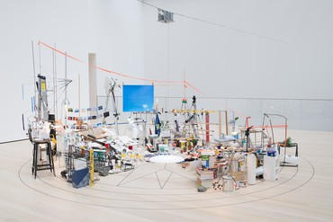 Sarah Sze, Triple Point (Pendulum), 2013 © Sarah Sze