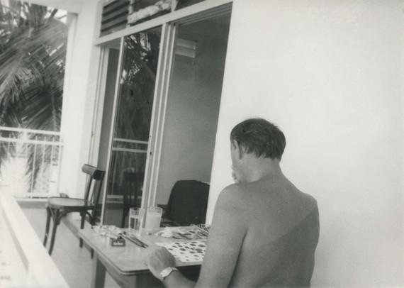 Cy Twombly, Îles des Saintes, Guadeloupe, 1979. Photo © Fondazione Nicola Del Roscio, courtesy Archives Nicola Del Roscio