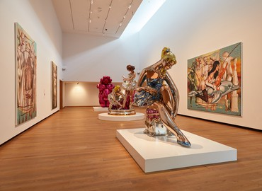 Installation view, Jeff Koons, Ashmolean Museum of Art and Archaeology, University of Oxford, England, February 7–June 9, 2019 © Jeff Koons