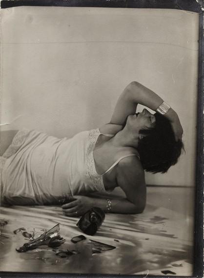 Man Ray, Suicide (Kiki de Montparnasse), 1928 © Man Ray Trust/ADAGP 2019