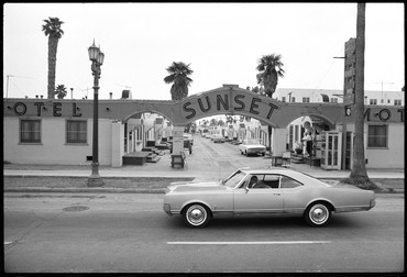 Ed Ruscha, Shoot from Sunset Blvd, 1966, Streets of Los Angeles Archive, Getty Research Institute © Ed Ruscha