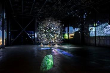 Sarah Sze, Twice Twilight, 2020, installation view, Fondation Cartier pour l'art contemporain, Paris © Sarah Sze. Photo © Luc Boegly