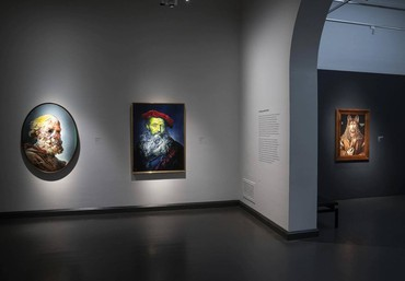 Installation view, Inspiraatio—Nykytaide & Klassikot, Ateneum, Finnish National Gallery, Helsinki, June 18–September 20, 2020. Artwork, left to right: © Glenn Brown, © Wolfe von Lenkiewicz. Photo: Hannu Pakarinen