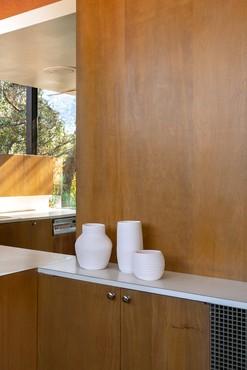 Installation view, Shio Kusaka, Neutra VDL Studio and Residences, Los Angeles, February 15–April 4, 2020. Artwork © Shio Kusaka