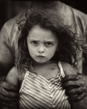 Sally Mann, Holding Virginia, 1989 © Sally Mann