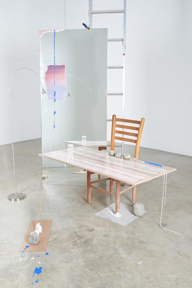 Sarah Sze, Mirror with Landscape Leaning (Fragment Series), 2015, Yale University Art Gallery, New Haven, Connecticut © Sarah Sze