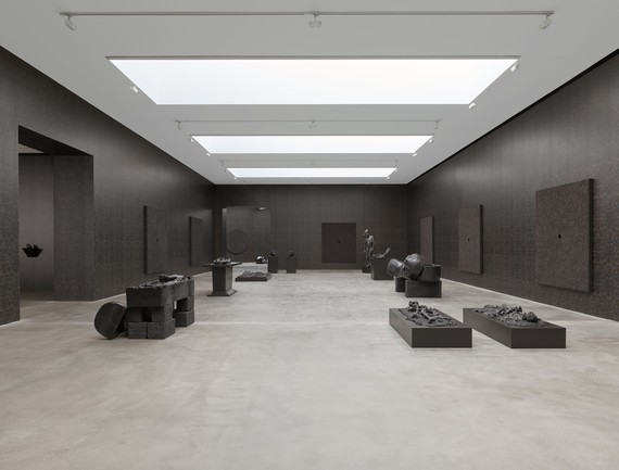 Installation view, Damien Hirst: Relics and Fly Paintings, Gagosian, Britannia Street, London, open fromJune 5, 2021. Artwork © Damien Hirst and Science Ltd. All rights reserved, DACS 2021. Photo: Prudence Cuming Associates