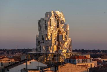 Frank Gehry's Luma Tower, Luma Arles, France. Artwork © Frank Gehry. Photo: Adrian Deweerdt