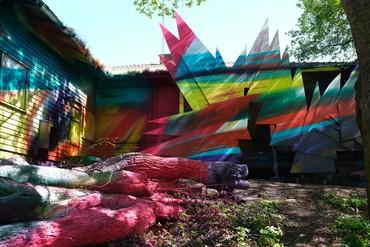 Katharina Grosse, Shutter Splinter, 2021, installation view, Helsinki Biennial, June 12–September 26, 2021. Artwork © Katharina Grosse and VG Bild-Kunst, Bonn, Germany 2021. Photo: Hans Grosse