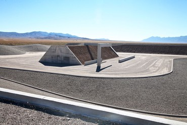 Michael Heizer, Complex One, City, 1970– © Michael Heizer. Photo: Mary Converse