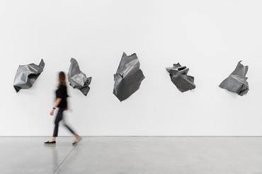 Installation view, Nancy Rubins: Fluid Space, Gagosian, Beverly Hills, June 24–August 6, 2021. Artwork © Nancy Rubins