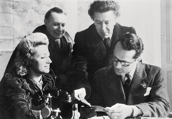 Jacqueline Breton, André Masson, André Breton, and Varian Fry at the Villa Air-Bel, near Marseille, France, 1941. Photo: United Archives GmbH/Alamy