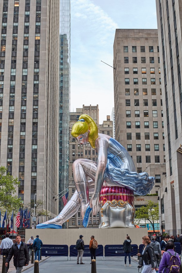 Jeff Koons, Seated Ballerina (2017) installed at Rockefeller Plaza, New York. On view May 5–July 17, 2017 © Jeff Koons. Photo by Tom Powel Imaging